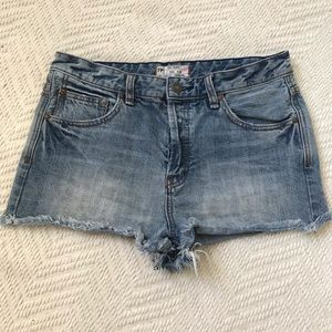 Free People distressed jean shorts size 29